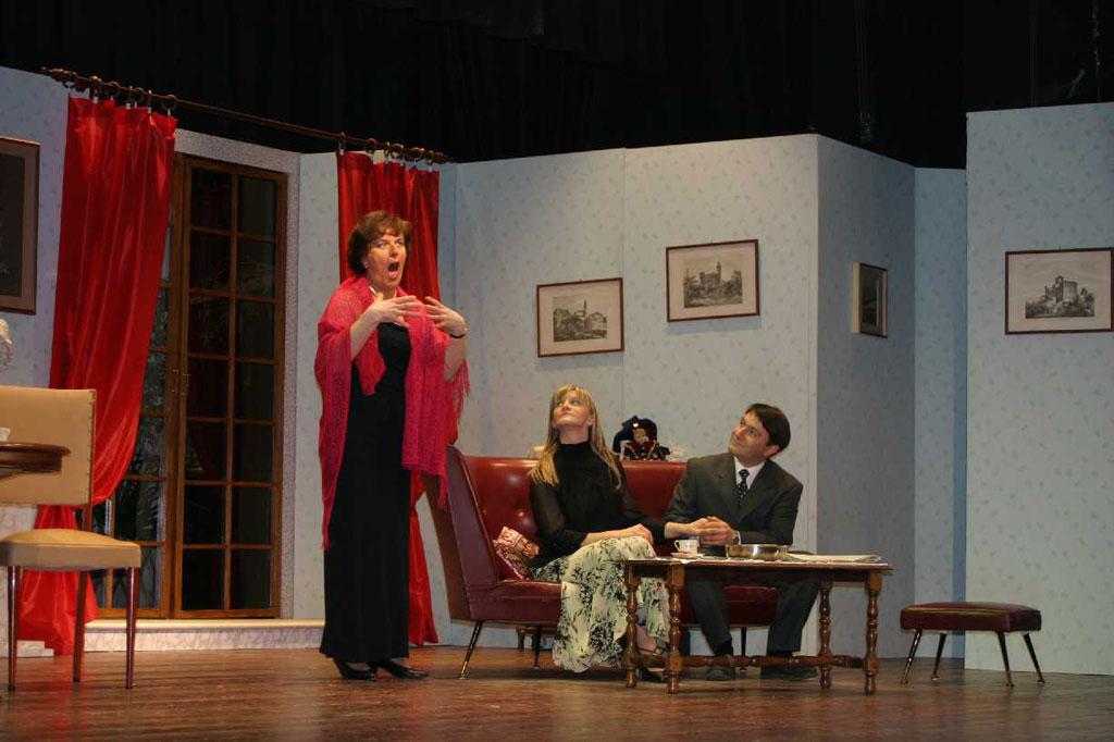 Compagnia Teatrale Elena e gli Altri